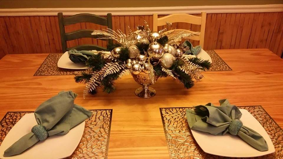 holiday centerpiece - CDC Floral