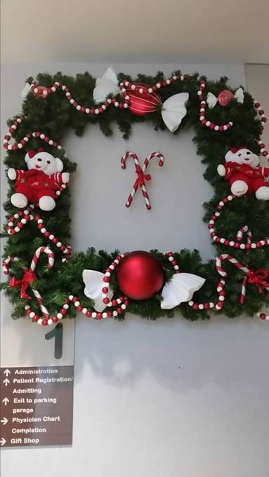 holiday wreath - CDC Floral